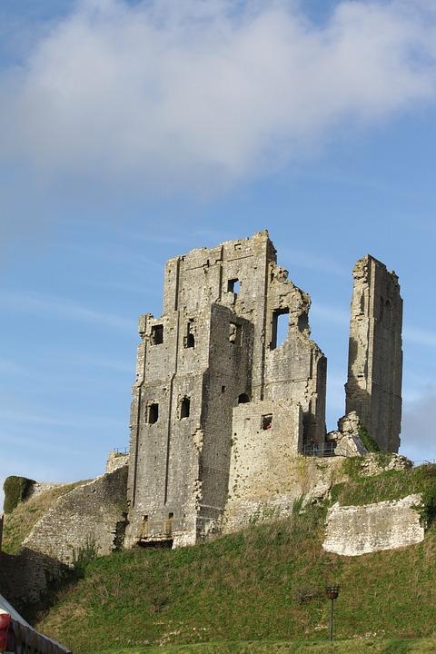 Corfe_Castle